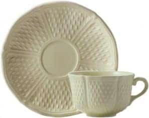 6 Tea cups & scrs